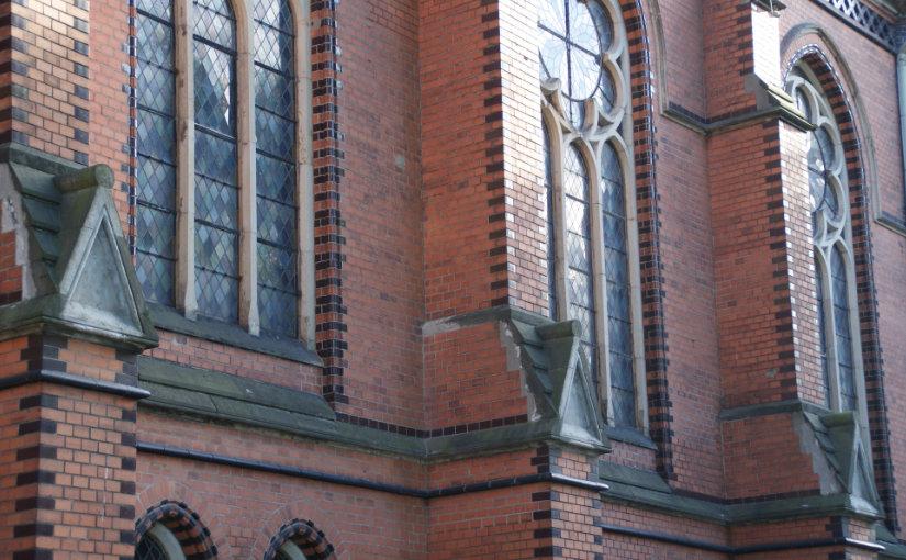 Seitenansicht der Michaeliskirche